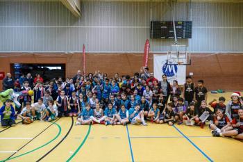 El torneo de baloncesto solidario recaudó fondos para la AMDEA y el Banco de Alimentos de Madrid