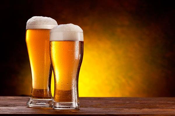 Villaviciosa celebra la Feria de la Cerveza y del Queso Artesano