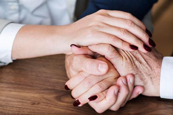 Villaviciosa regula el servicio de ayuda a domicilio
