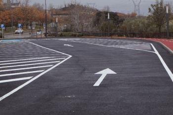 Su diseño en espiga invertida está enfocado a mejorar la seguridad vial de la zona