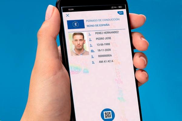 La nueva aplicación de la Dirección General de Tráfico incluye nuestro carnet en formato digital, entre otras funcionalidades