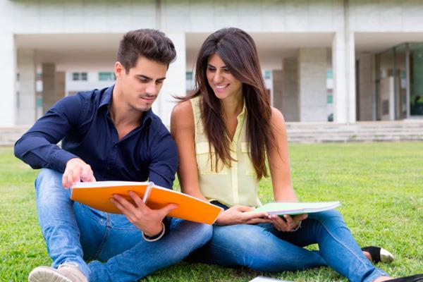 Ya puedes solicitar las becas universitarias de Pozuelo
