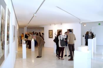 El Centro Cultural Anabel Segura acoge la muestra de obras en bronce y alabastro, que se podrá ver hasta el próximo 26 de mayo