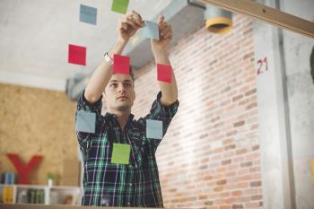 Experimenta el emprendimiento como opción profesional