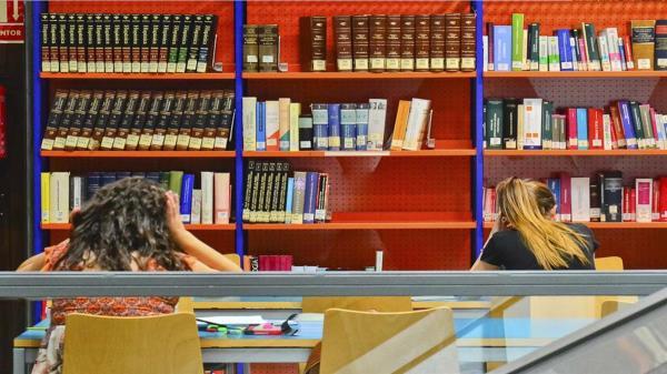 La Biblioteca de La Caja del Arte abrirá de lunes a viernes de 08:30 a 20:15 horas, igual que la Biblioteca Gabriel Celaya