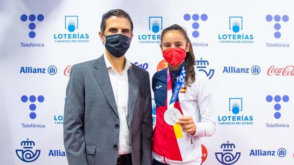 Adriana Cerezo fue recibida con honores
