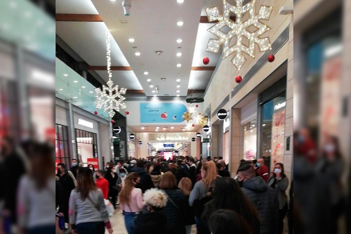 Según la portavoz de Unidas Podemos-IU en Leganés, la entrada al centro comercial fue cerrada hasta en tres ocasiones