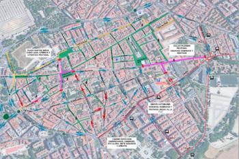 La Plaza de los Santos Niños y las calles San Juan, Tercia y Postigo estarán cerradas al tráfico los fines de semana
