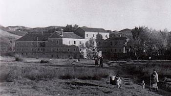 Ubicado en la ribera del Henares, fue propiedad del Cardenal Cisneros