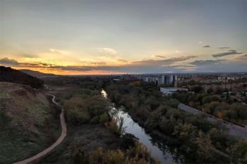 El PP pide que la ciudad deje de dar la espalda a su entorno natural