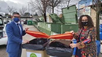 Se instalan dos contenedores en el municipio para facilitar la recogida