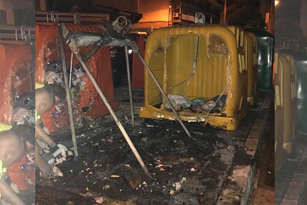 Alcorcón amanece con cuatro contenedores quemados