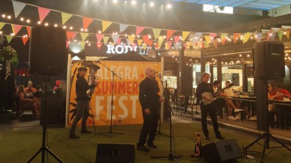 ¡Disfruta de la música al aire libre en Alegra Summer Fest!