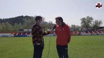 El jugador de la RSD Alcalá atiende a Soy de Alcalá tras la victoria por 1-0 ante el Villanueva del Pardillo