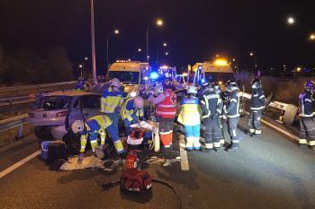 Dos coches han colisionado en la M-407
