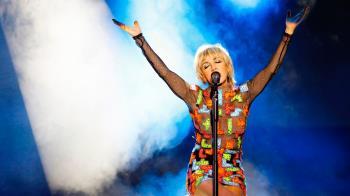 Con entradas agotadas, la artista presentó sus últimos sencillos y parte del repertorio de Mecano