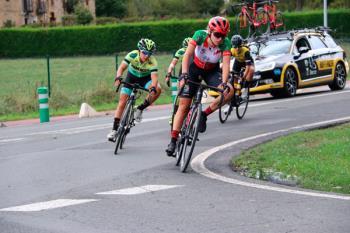 La ciclista torrejonera da el salto de categoría, codeándose con las mejores ciclistas del mundo