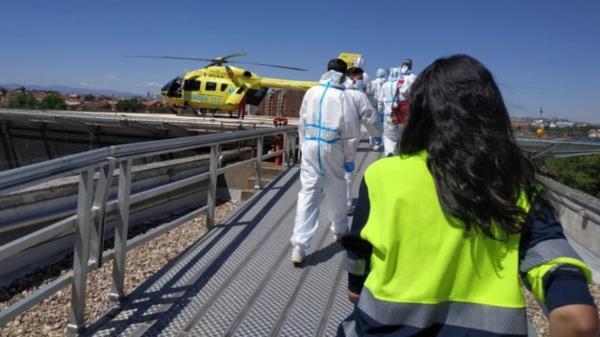 Debido a la gravedad del caso, fue trasladado en helicóptero al Hospital 12 de Octubre