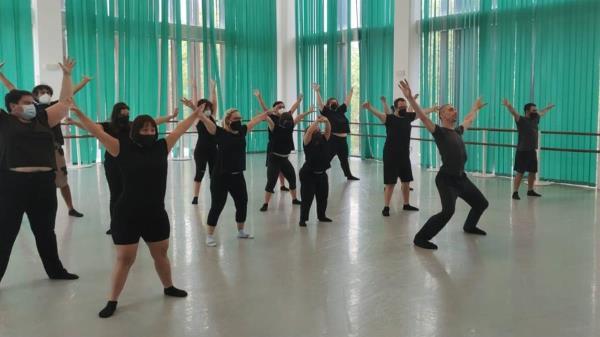 Amas Escena participa en el programa de talleres 'Metamorphosis Method'