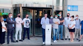 El pasado viernes se concentraron en Alcobendas para manifestarse en contra de la resolución de la FET sobre dejar fuera de las Olimpiadas a Tortosa