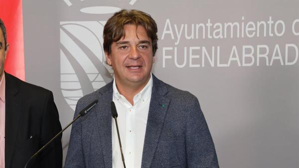 """El candidato ve """"prematuro"""" el apoyo a Lobato por parte de la delegada de Gobierno"""