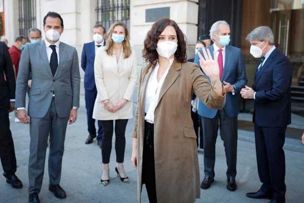 """La presidenta de la Comunidad de Madrid autoriza el estudio epidemiológico """"en cuanto se validen esos test"""""""