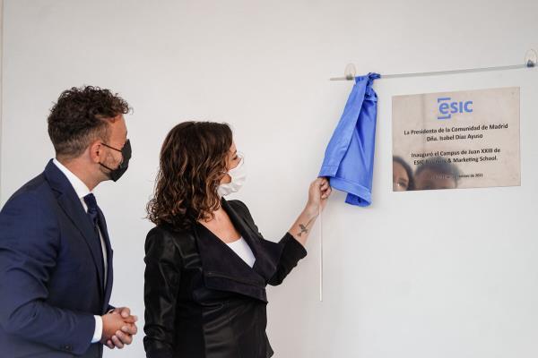 La presidenta de la Comunidad inaugura el nuevo campus de la escuela de negocios ESIC Business & Marketing School en Pozuelo de Alarcón