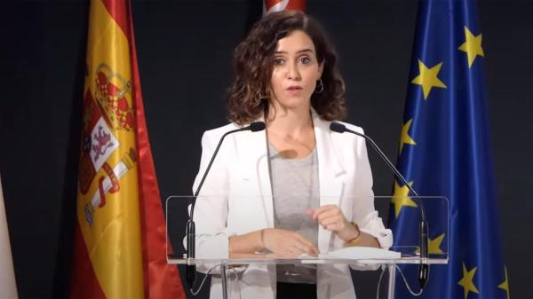 """La presidenta regional ha admitido que quiere que el Congreso del PP se celebre """"pronto"""" pero niega las presiones"""