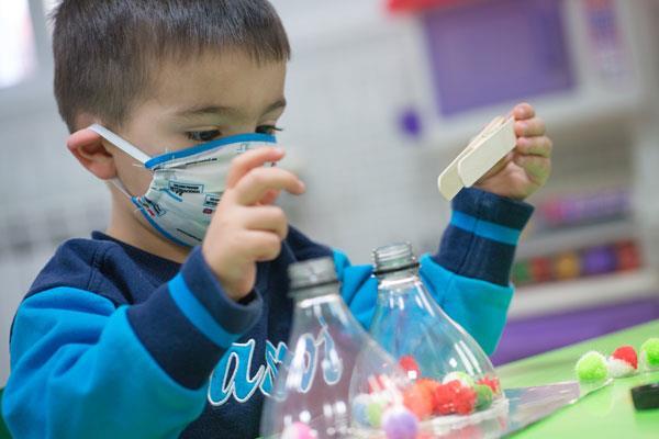 Beneficios de escolarizar a un niño en edades tempranas