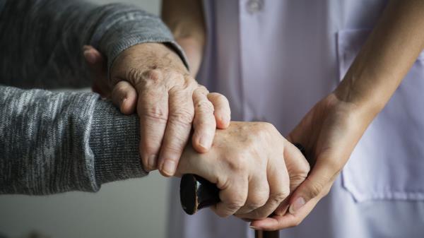 Sanidad recomienda hacer un mínimo de dos pruebas diagnósticas a estos trabajadores