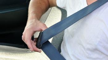 Se vigilará el correcto uso del cinturón y de los sistemas de retención infantil