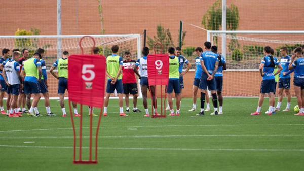 El club pepinero ha informado de que se han detectado dos casos positivos en el primer equipo