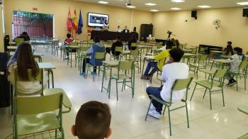 Se ha impartido la segunda charla sobre este tema por el incremento de las bandas y la preocupación de las familias y los docentes.