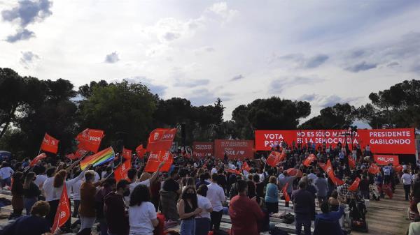 Fiesta del PSOE por todo lo alto para acabar la campaña