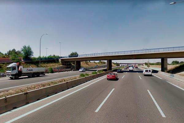 Cierre de la pasarela sobre la A-2 para ir desde Torrejón de Ardoz al Parque Corredor