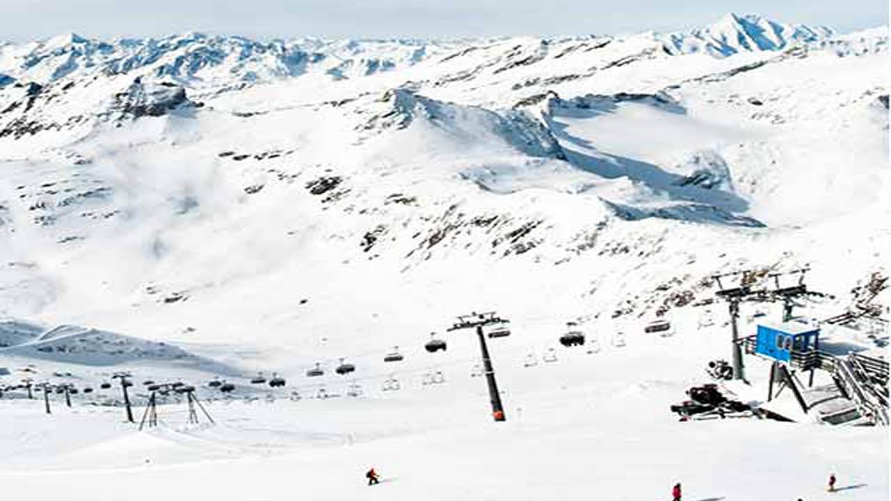 Parece que varias decisiones del Gobierno han condenado a la estación de esquí