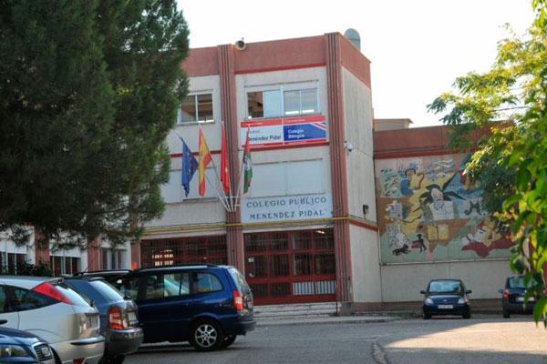El concejal de Educación, Iván López, carga contra el cierre del aula del único centro preferente para alumnos con discapacidad motora