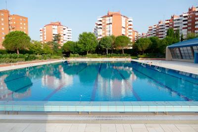 Lee toda la noticia 'Cierre temporal de las piscinas de Villafontana'