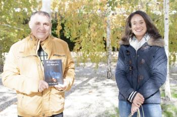 El autor alcalaíno, que cuenta con más de 8.000 seguidores en Instagram, presenta su nuevo libro, a la vez que su página web