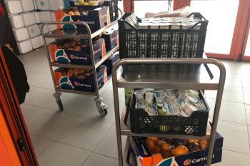 Las empresas adjudicatarias de los comedores escolares pidieron al Ayuntamiento que intercediera para la donación