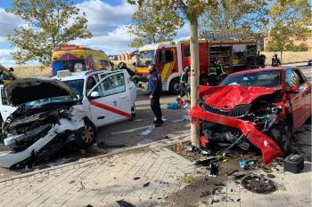 Los conductores han tenido que ser rescatados de los coches