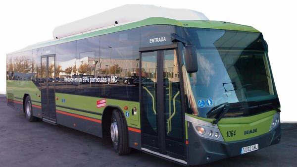 Tras el incendio que destrozó la plataforma los autobuses serán los encargados de comunicar con el barrio