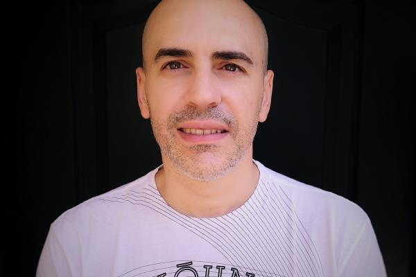 Conocemos al escritor torrejonero Rauleto