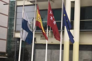 El Ayuntamiento de Fuenlabrada se suma a este gesto en señal de duelo