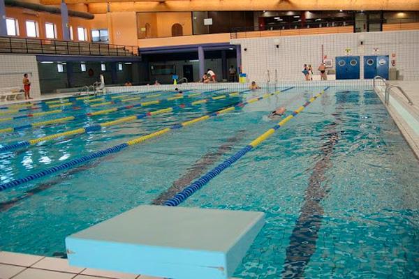Coslada pone en marcha sus clases de natación en El Cerro