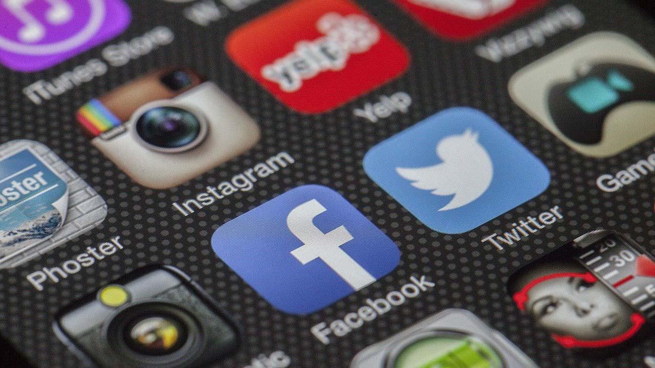 El Ayuntamiento de Villaviciosa de Odón imparte unos cursos para dar a conocer todo lo que puede pasar en Internet