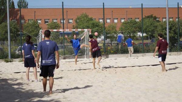 Ofreciendo a sus estudiantes un completo programa de actividades deportivas, internas y de competición