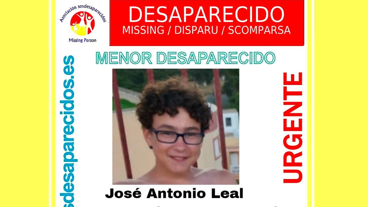 Se llama José Antonio Leal, mide 1,65 y con complexión delgada