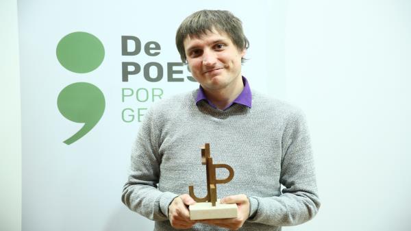 Guillermo Molina Morales recibe el Premio Internacional de Poesía