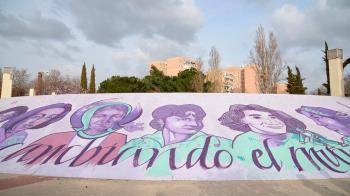 El alcalde de Alcalá de Henares visitó la pintura del Auditorio Municipal Manuel Azaña